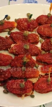 Antipasto veloce con pomodori secchi e tonno
