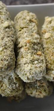 Bastoncini di piselli, carote e quinoa