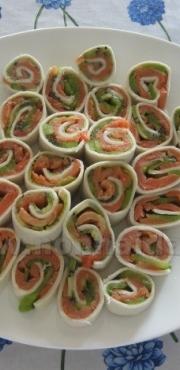 Antipasto veloce salmone e kiwi